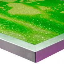 Столешница с живым покрытием салатового цвета.