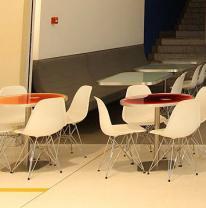 Поставка жидкой плитки для кафе в Дубаи
