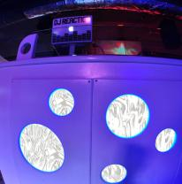 Дизайн DJ пульта-стойки с 3d пленкой