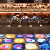 Интерактивная поверхность в Whiskey Bar