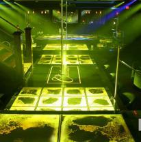 Дизайн стриптиз клуба с использованием живой плитки