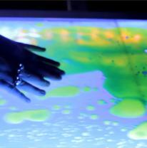 Барная стойка с интерактивной поверхностью liquid floor