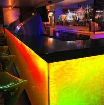 3D пленка из поликарбоната в фасаде барной стойки