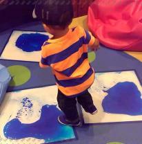 Живая плитка liquid floor в детской зоне