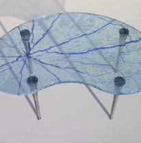 Журнальный столик из текстурированного стекла