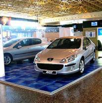 Промо стенд автомобиля Peugeot 407 и живая плитка