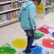 Интерактивная плитка в торговом центре