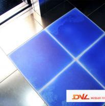 Использование живой плитки в интерьере офисных лифтов