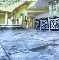 Живая плитка liquid floor в холле