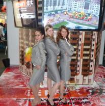 Выставочный стенд Компании Темп с живой плиткой
